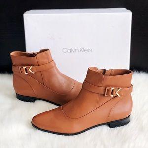 ✨New CALVIN KLEIN Farryn Leather Booties Cognac